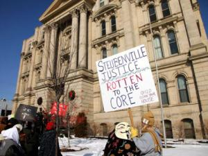 Protest at the Jefferson County, Ohio courthouse on January 5, 2013