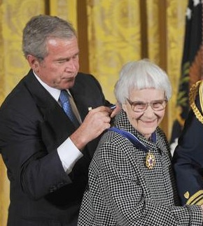 Harper Lee receiving the Medal of Freedom