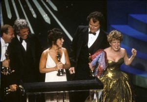 "Carole Bayer Sager and Burt Bacharach won an Oscar for ""Arthur's Theme"" which was presented by Bette Midler."
